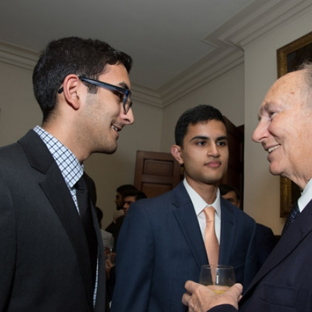 Image of His Highness the Aga Khan with students