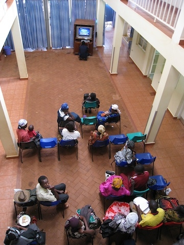 Training health workers to care for HIV/AIDS patients in Uganda. Credit: Sarah Kleinman; TASO