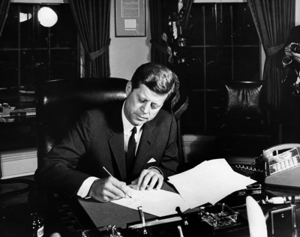 John F Kennedy authorizes the naval quarantine of Cuba