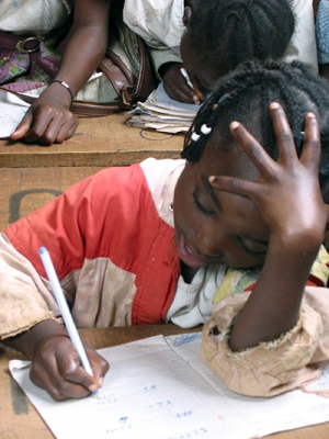Image of refugee girl from DRC
