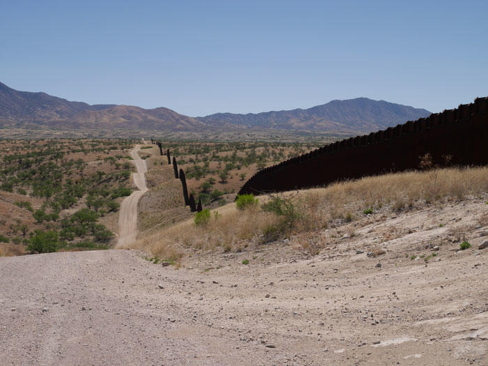 Image of the views of the border fence east of Nogales, Arizona