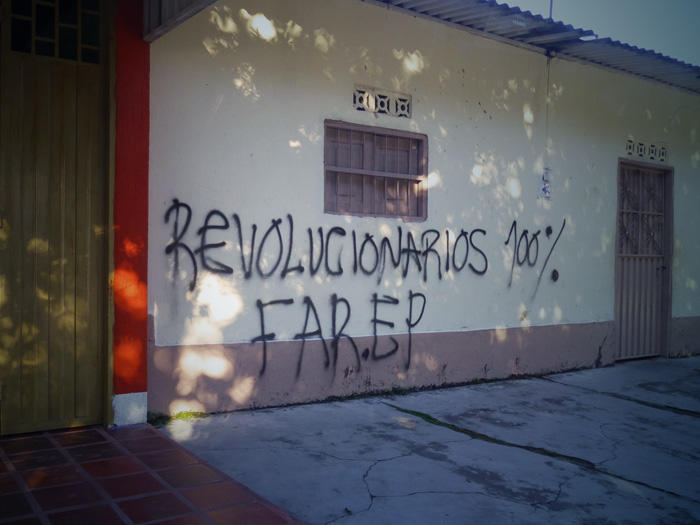 Image of graffiti on wall of building in Arauca, Colombia, September 2012