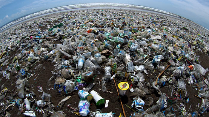 Image of garbage covering a beach in Bali