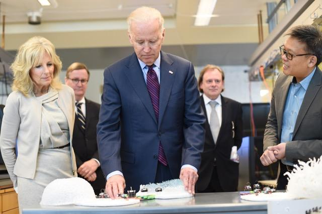 Joe Biden at UCSF with kilobots