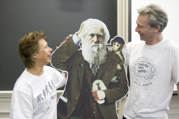 Photo of Janet Browne and Andrew Berry with Darwin cutout