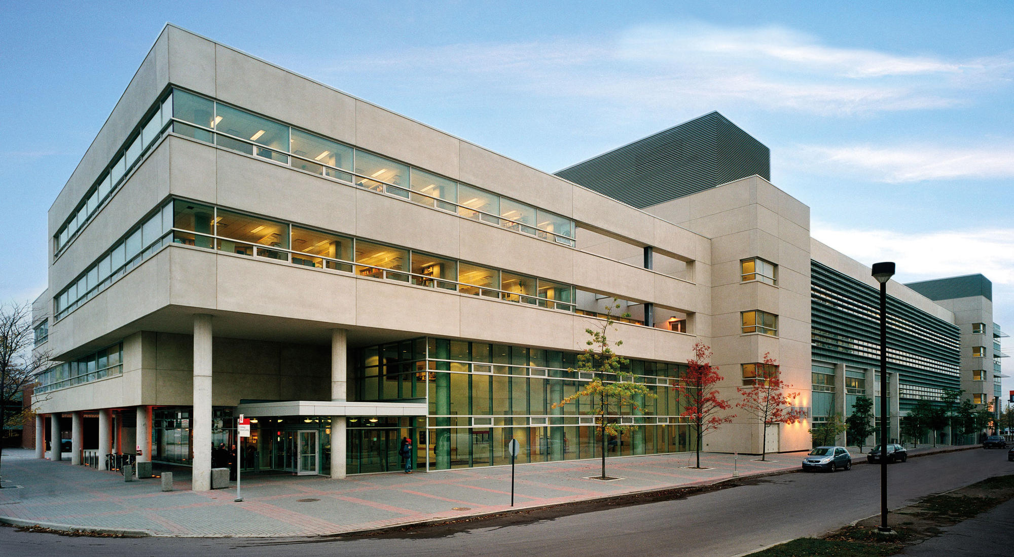 Photo of Victor Dahdaleh Building at York University