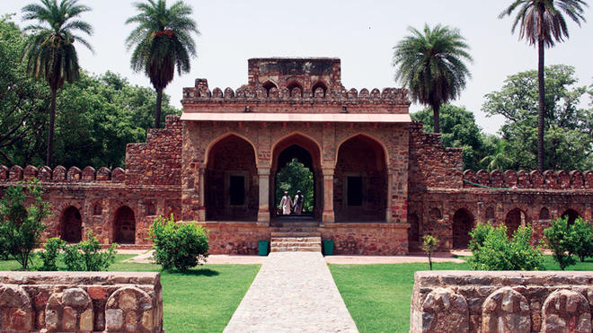Image of Isa Khan's tomb in New Delhi