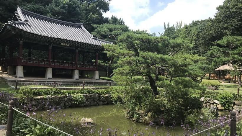 Image of Huwon, the 'Secret Garden,' inside the Changdeokgung Palace in Seoul, South Korea