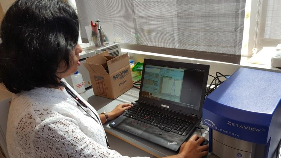 Debjani assessing particle size with Zetaview