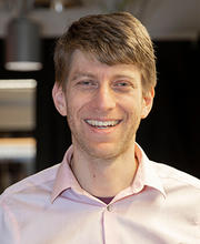 Adam Cohen in his lab at Harvard in 2019